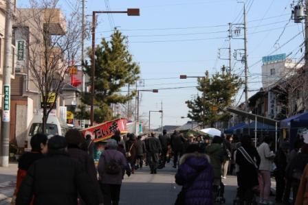 覚王山駅から日泰寺参道に入った様子 -覚王山 日泰寺参道の縁日-